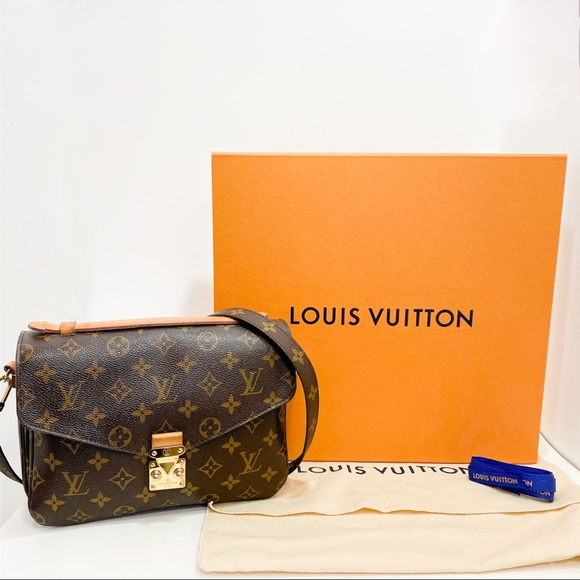 Louis Vuitton Handbags - Auth Louis Vuitton LV Pochette Metis